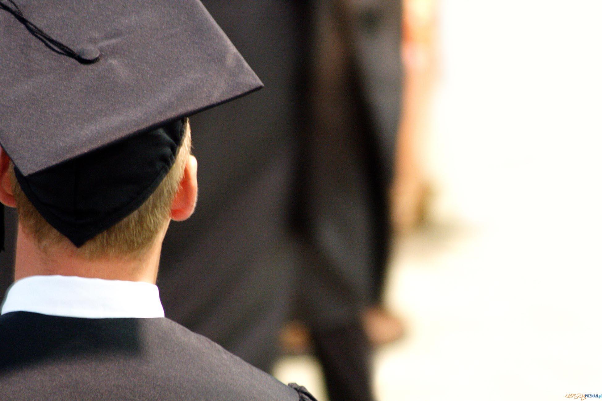 Czy bycie absolwentem renomowanego uniwersytetu wystarczy?